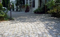 Fairstone Cropped Granite Setts 1 Hz